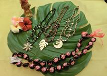ハワイアンアクセサリー写真